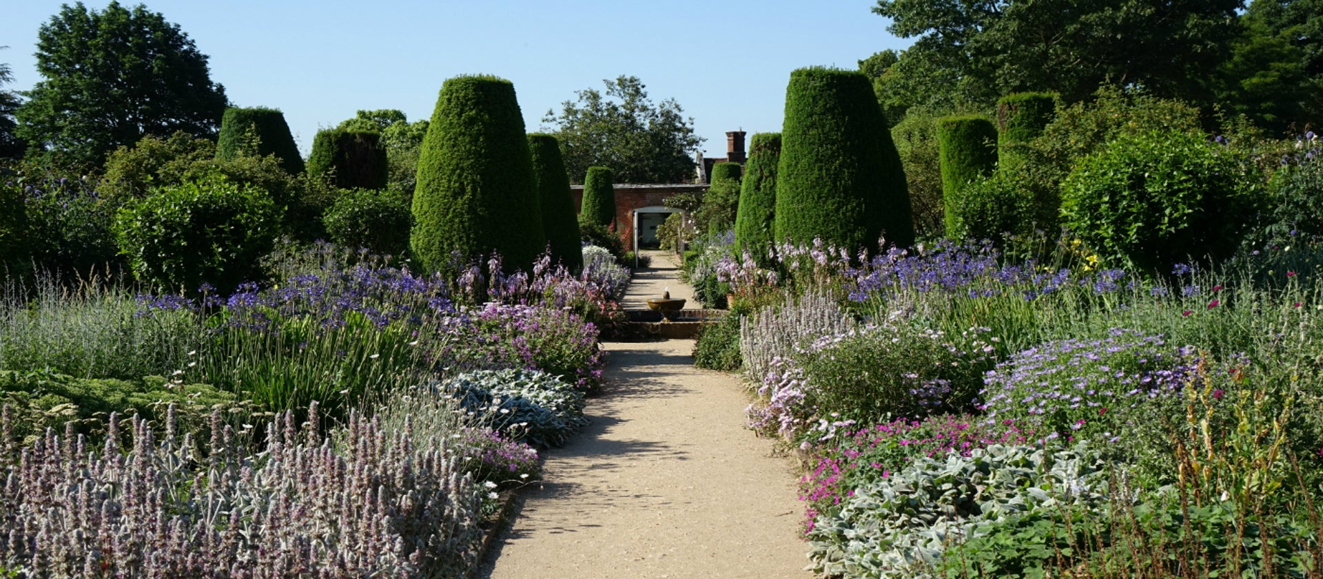 Gardens open to the public in Hampshire the south coast